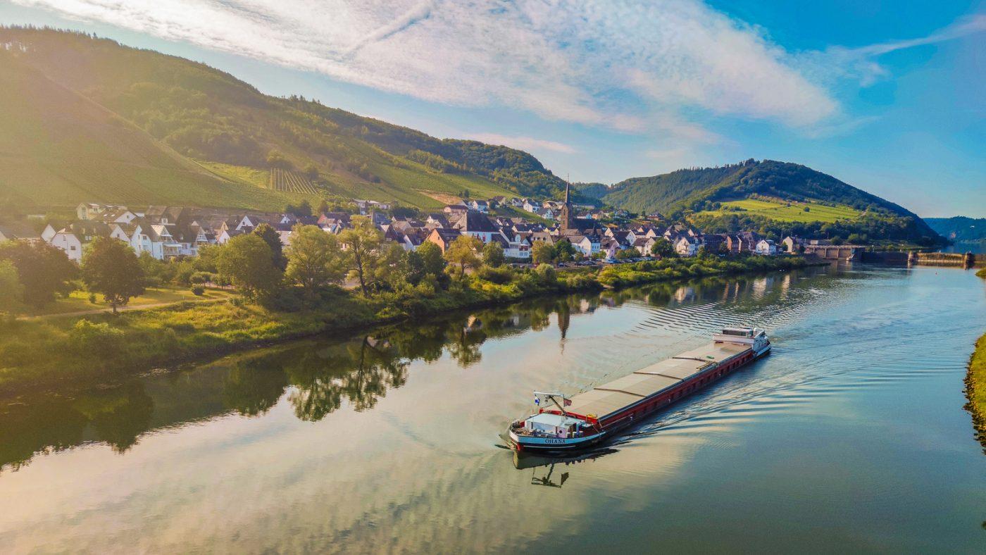 Passage de la Moselle à Bullay